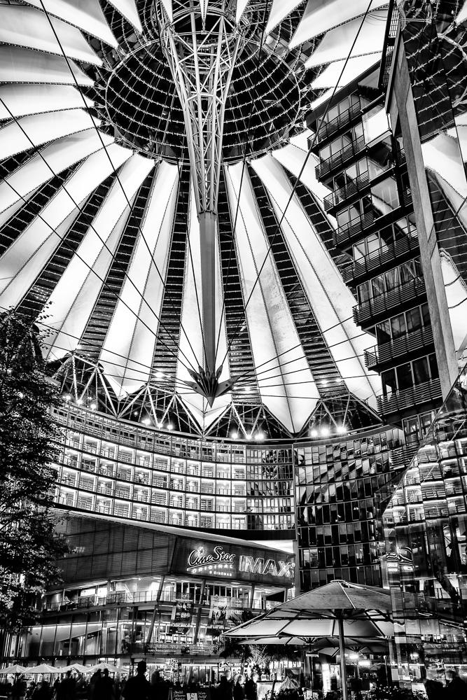 """Ansicht aus dem """"Inneren"""" des Sony Center Berlin -- View from inside Sony Center Berlin."""